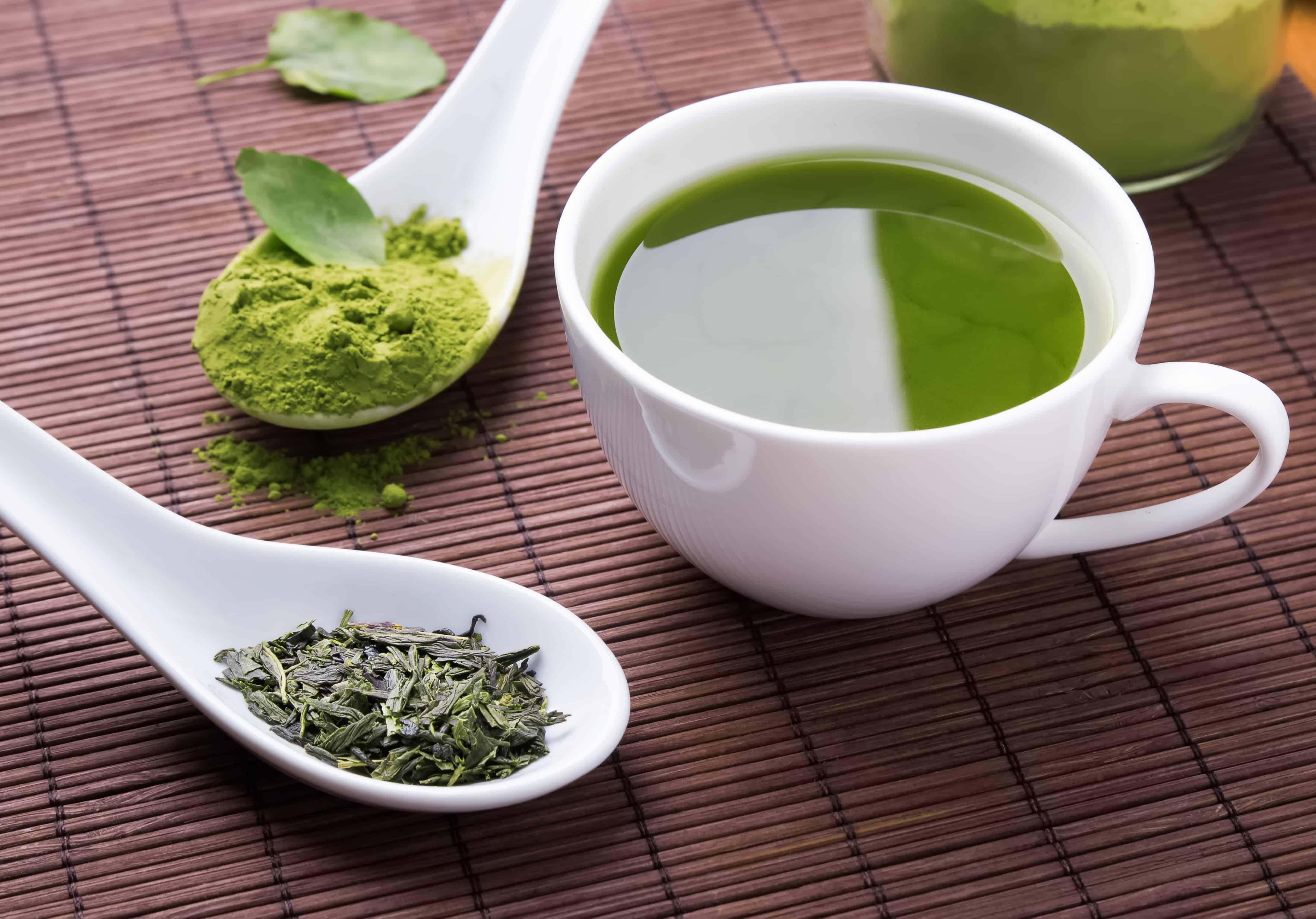 green-tea-brewed-tea-vs-matcha
