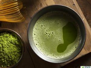 experts_health-benefits-of-matcha-green-tea_2716x1811_000055982118